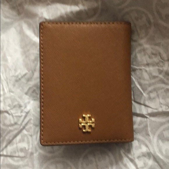 big sale c0bc1 a94c2 Tory Burch Emerson card case wallet